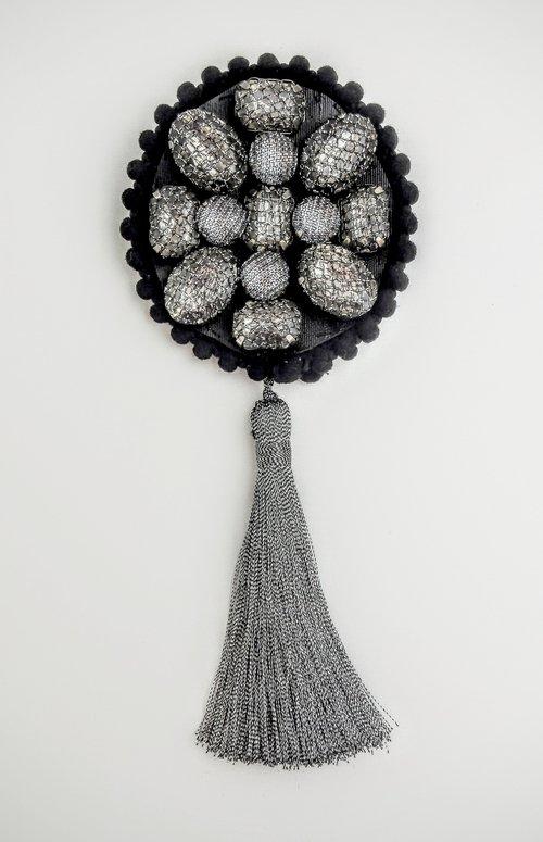 silver queenie brooch