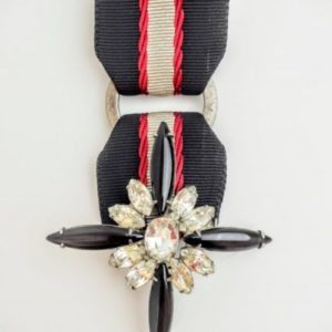 Queenie Brooch in Black & Red